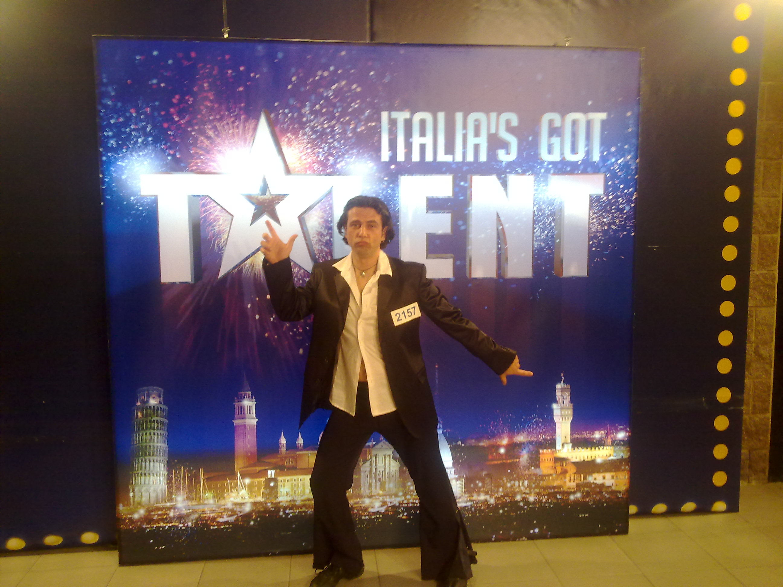 GUARDA IL VIDEO TONY MANERO A ITALIA' GOT TALENT - http://www